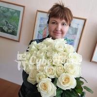 Крупноголовые белые розы